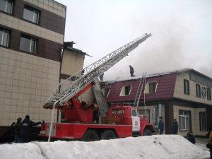 Пожар в Бердске: помимо магазина пострадали кафе и автосервис