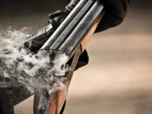 В Линево посетитель кафе расстрелял оппонентов из охотничьего ружья