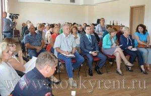 Жителям Лебедевки ответили на вопросы о дорогах и строительстве школы