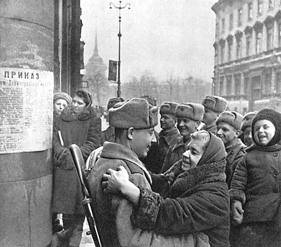 ВПетербурге реконструируют салют 1944 вДень снятия блокады