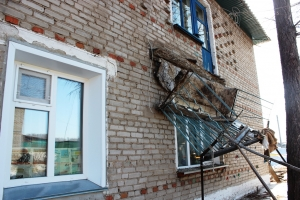 Балкон жилого дома обрушился вместе с хозяйкой квартиры