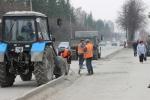 В Искитиме ведется очистка дорог от пыли и грязи