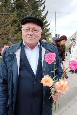 9 мая - искитимцы возложили цветы к Мемориалу павшим солдатам Великой Отечественной