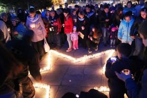 9 мая - Свечи памяти зажгли искитимцы у Мемориала павшим воинам