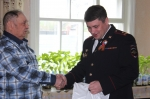 Начальник искитимской полиции Евгений Борисов навестил ветерана