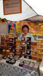 В Искитиме проходит ярмарка Городской праздник меда