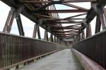 Пешеходный мост через Бердь закроют на ремонт