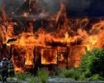 Дачный дом полностью сгорел при пожаре