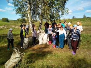 В Рощинке жители провели акцию «Чистый лес»