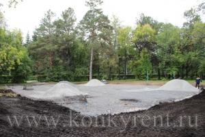 В парке им.Коротеева строят новые дорожки и площадки