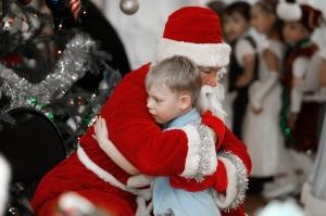 Подарков в Новый год ждут все дети