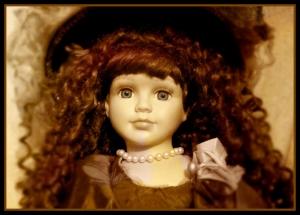 Фарфоровую куклу 1895 года можно увидеть в Искитимском музее