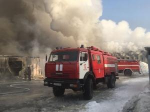 Пожар на обувном производстве угрозы населению не представляет