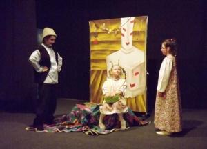 Линевские актеры представили две премьеры в преддверии Дня театра
