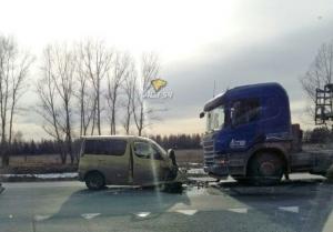 Водитель Тойоты погиб возле поворота в Ложок