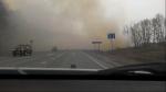 Федеральную  трассу в районе Бетолекса  заволокло дымом (ВИДЕО)