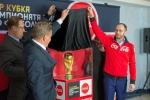 Кубок Чемпионата мира по футболу FIFA побывал в Искитиме