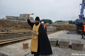 В Бурмистрове заложили первый блок фундамента пристройки к школе