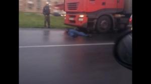 Житель Евсино погиб под колесами фуры в день своего рождения