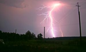 Грозовой фронт мобилизовал на прошлой неделе электриков