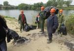 Волонтеры вывезли с берегов рек Бердь и Черная 23 кубометра мусора