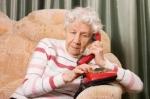 В Искитиме пенсионеры могут задать вопросы на прямую линию