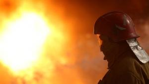 В деревне Ургун под Искитимом тушили ночной пожар