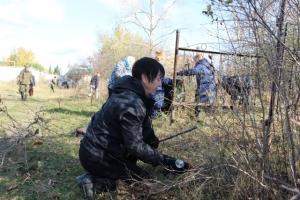 На старом искитимском кладбище добровольцы провели уборку