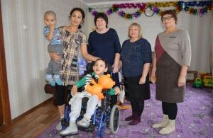 Союз женщин Искитимского района организовал акцию «Тепло души – в квартиру инвалида»