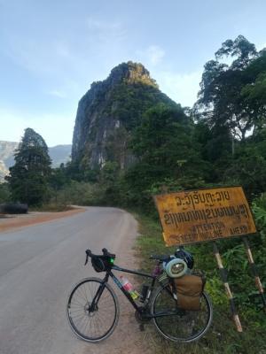 Иван Подволотских, путешествующий на велосипеде по Юго-Восточной Азии, добрался до Вьетнама