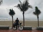 Велопутешественник Иван Подволотских добрался до пляжей Вьетнама