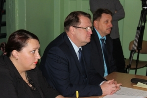 Ответы на вопросы жителей Заречного микрорайона на встрече с главой Искитима