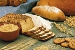 Минимальный набор продуктов: больше тратим на хлеб и мясо, меньше на молоко и овощи