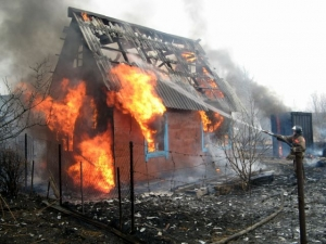 В селах под Искитимом горели дома и бани
