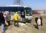 Под Искитимом междугородний автобус врезался в отбойник