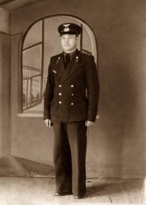 Полевая сумка боевого летчика Василия Шибанова была передана в дар Искитимскому музею самим героем войны