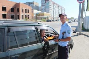 Сотрудники Госавтоинспекции проводят профилактические мероприятия «Пристегни ребенка в автомобиле»