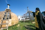 Освящены кресты и купола строящегося монастырского храма в Завьялово