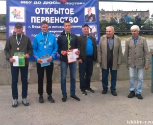 На приз депутата Законодательного собрания Новосибирской области Б. Прилепского