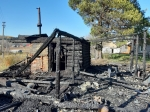 В Искитимском районе горит сено и надворные постройки