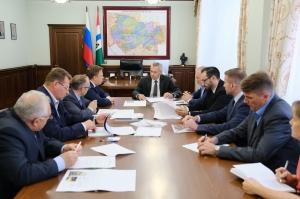 В правительстве обсудили реализацию проекта по строительству обувной фабрики в р. п. Линево
