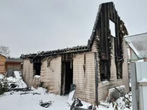 В окрестностях Искитима горели дома, мансарды, гаражи