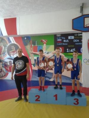 Юные борцы из Искитима завоевали медали больших турниров