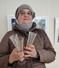 В Искитиме жители подарили музею более 100 единиц хрусталя