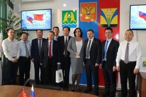 Предприниматели Искитима представили делегации из Китая свою продукцию