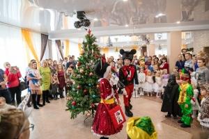 На всех предприятиях группы «Сибантрацит» прошли новогодние утренники для детей сотрудников