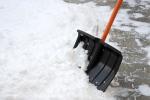 Жителей Искитима предупредили о штрафах за вывоз снега на проезжую часть