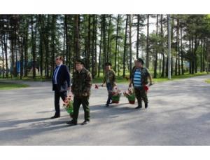 К памятнику Ивану Коротееву возложили цветы