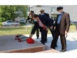 Глава Искитима Сергей Завражин почтил память погибших в годы ВОВ, принимая участие в акции «Минута молчания»