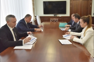 Губернатор Андрей Травников провел рабочую встречу с председателем совета директоров УК «Сибантрацит»